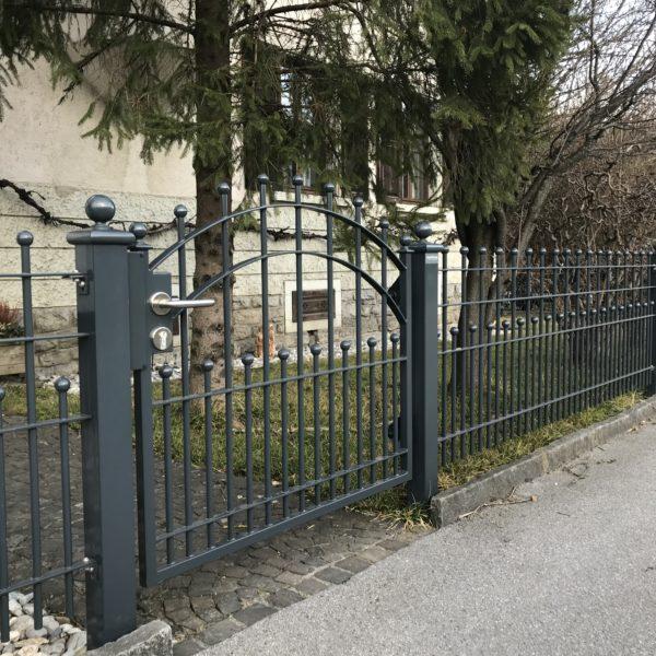 Gartentörli Stilzaun