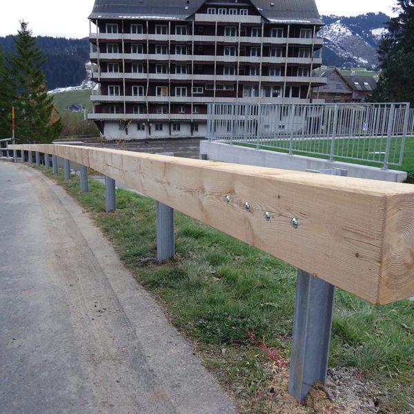 Holzleitplanken